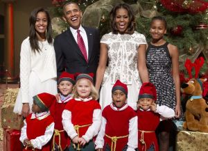 Obamas-Celebrating-Christmas-2013-Pictures