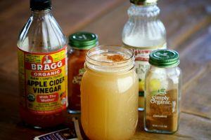 Dr_AxE_Homemade_Detox_Drink_With_Apple_Cider_Vinegar