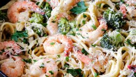 30 Minute Roasted Shrimp and Broccoli Fettuccine Alfredo