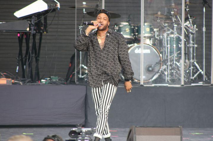 Ro James Performing at Majic's Summer Block Party
