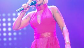 Mary J Blige performs at the 2015 Essence Festival