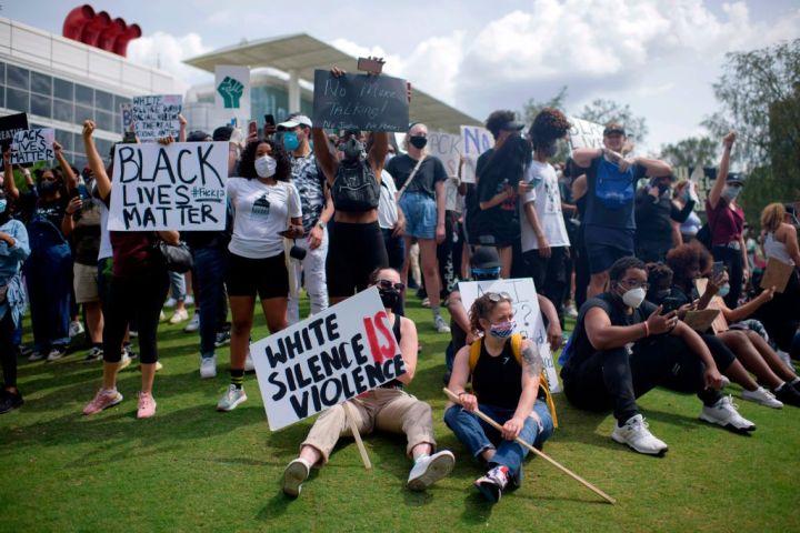 US-POLITICS-POLICE-JUSTICE-RACE-DEMONSTRATION-RACISM